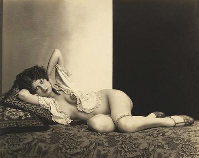 boudoir nudity photography