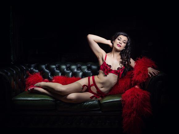 Cherie Bebe manchester Burlesque performer