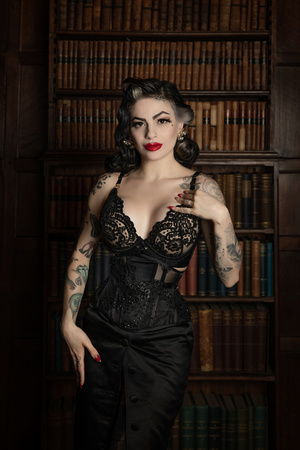 JB Corsets with Marie Devilreaux Model at Oxford Conference of Corsetry